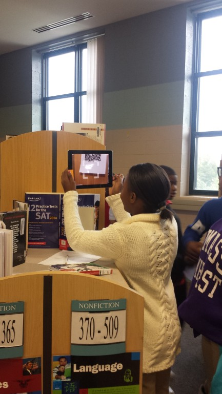 QR CODE READING IN THE LIBARY